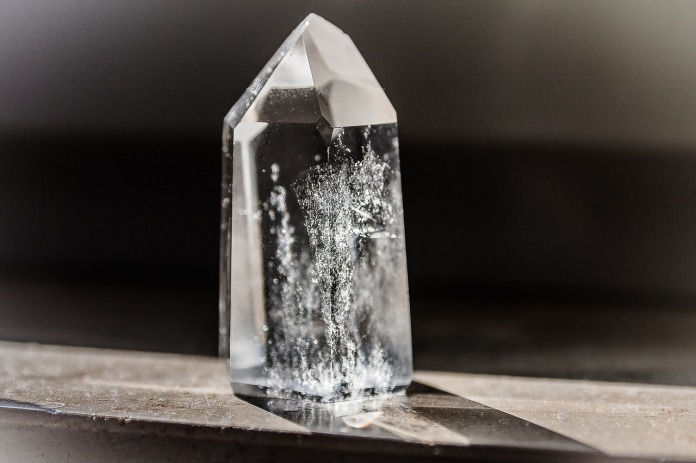crystal-1685590_1280